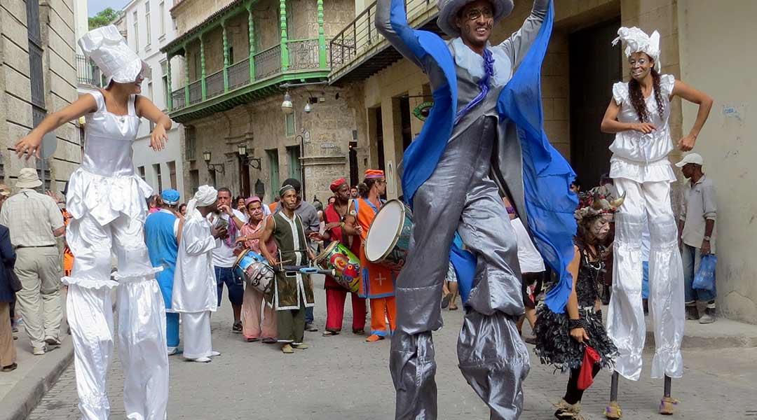 Parade i Havana, Cuba. Foto: Alan Kotok (CC by 2.0)