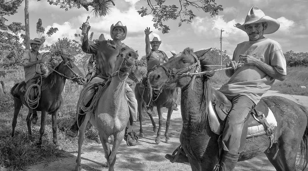Fulde cowboys i Sancti Spiritus, Cuba. Foto: Theodor Hensolt (CC by 2.0)