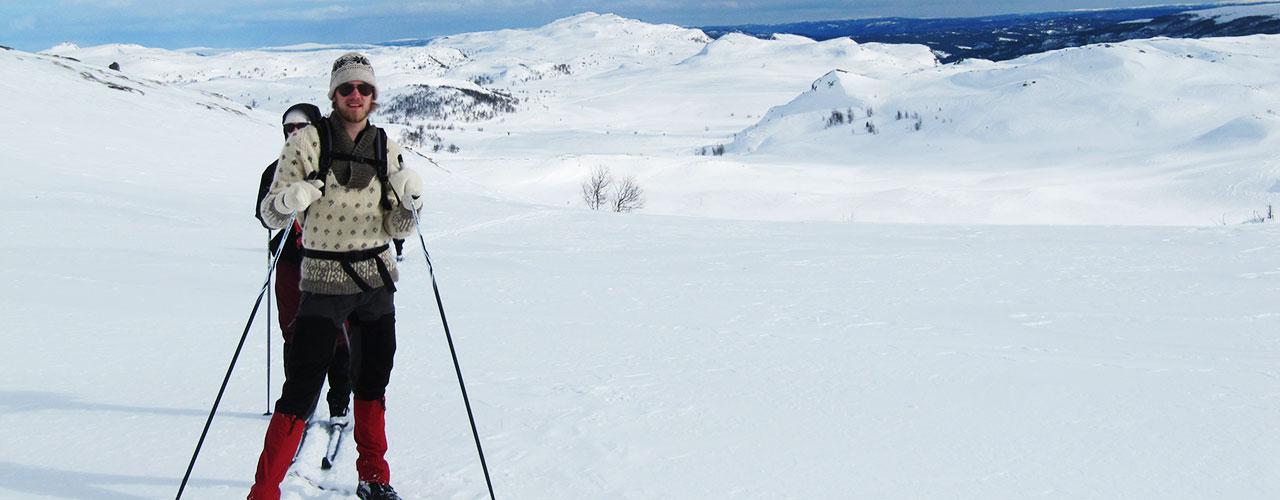 Langrend i knitrende sne i det norske vinterfjeld