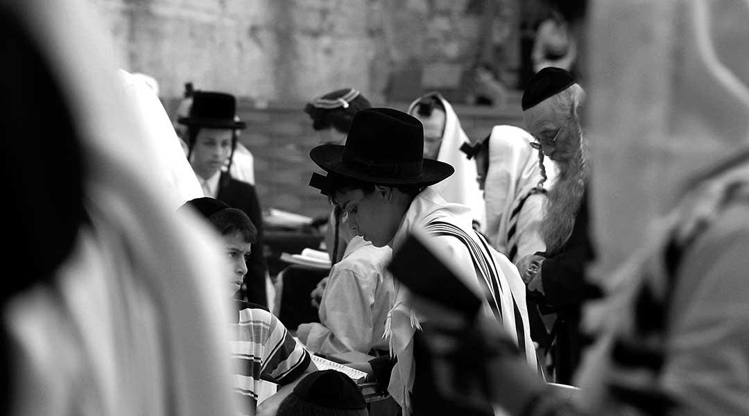 Palaestina jødisk dreng ved graedemuren