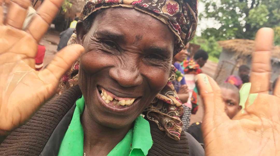 Malawi-mand-smiler-1080